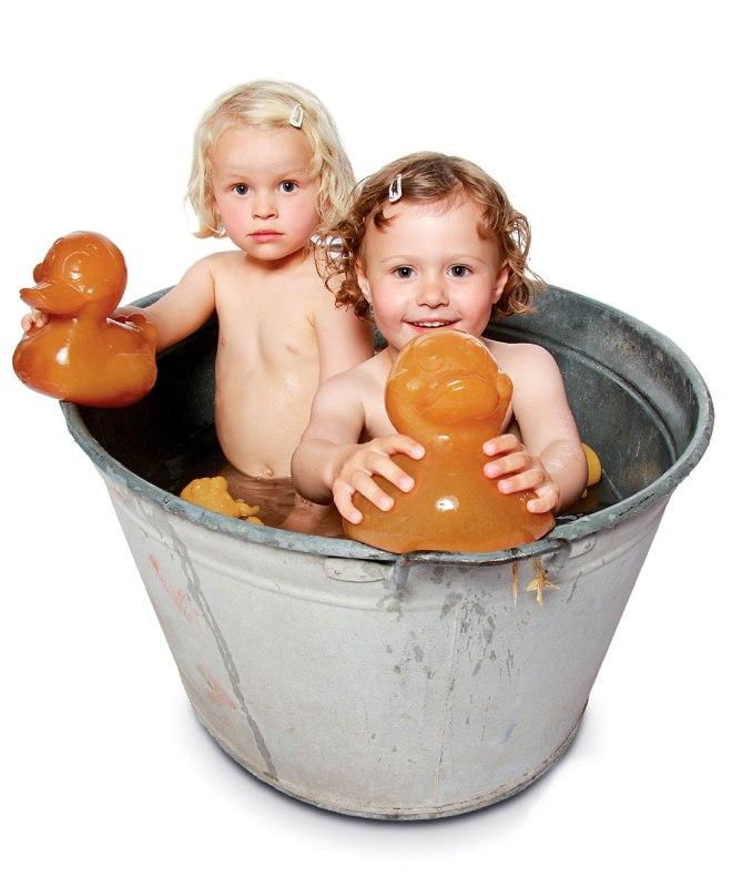 HE-AlfieKing_Hevea_Alfie-King-Size-Bath-Toy-100-Natural-Rubber_Alfie-Maxi-Papera-Bagno-Grande-100-Gomma-Naturale_2